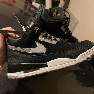 Air Jordan 3 retro. Black/cement gray. Men's 11